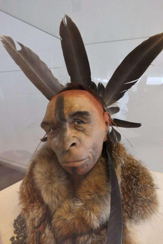 pintura corporal plomes neandertales cara pintada